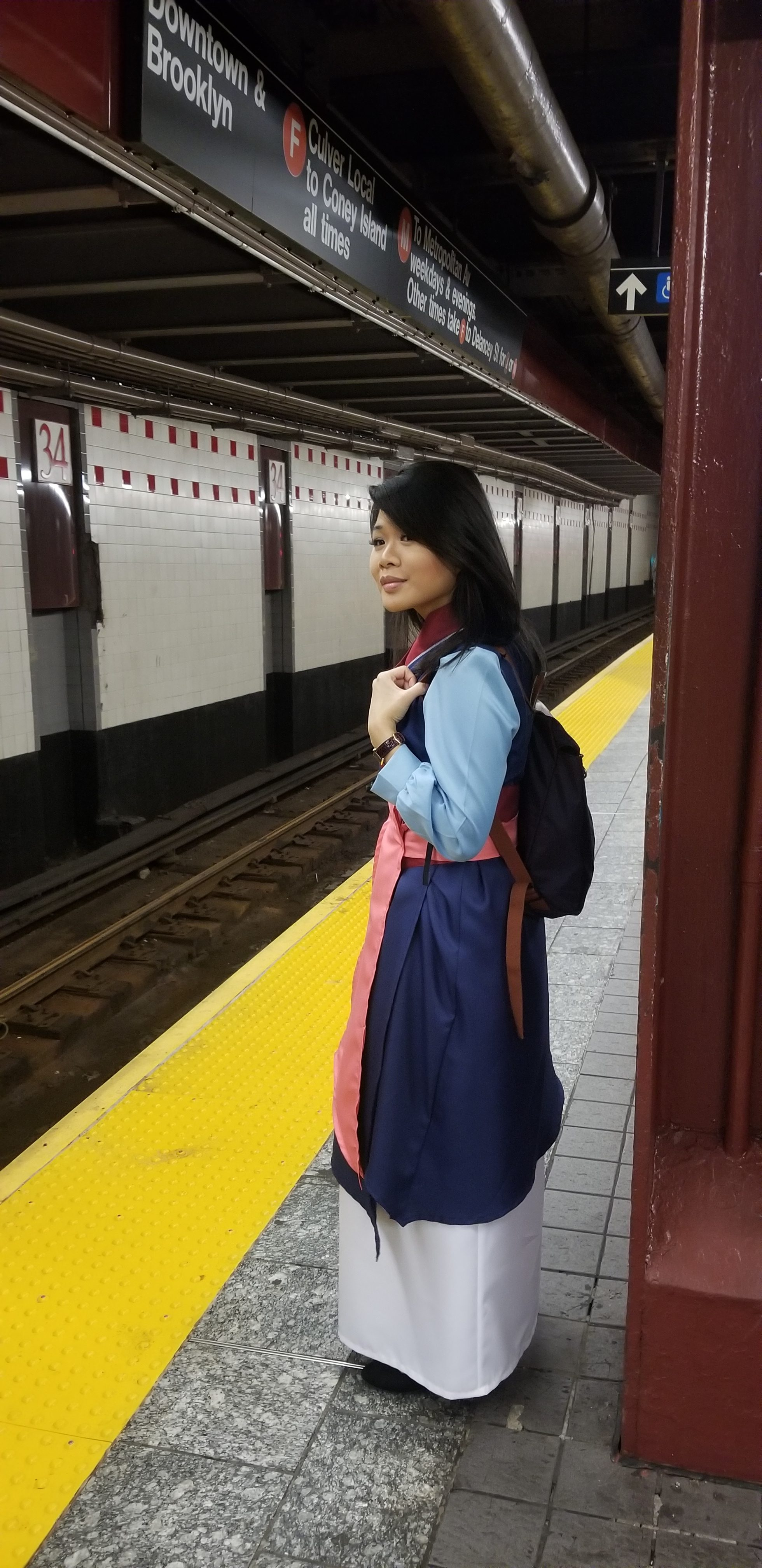 Mulan in the subway station