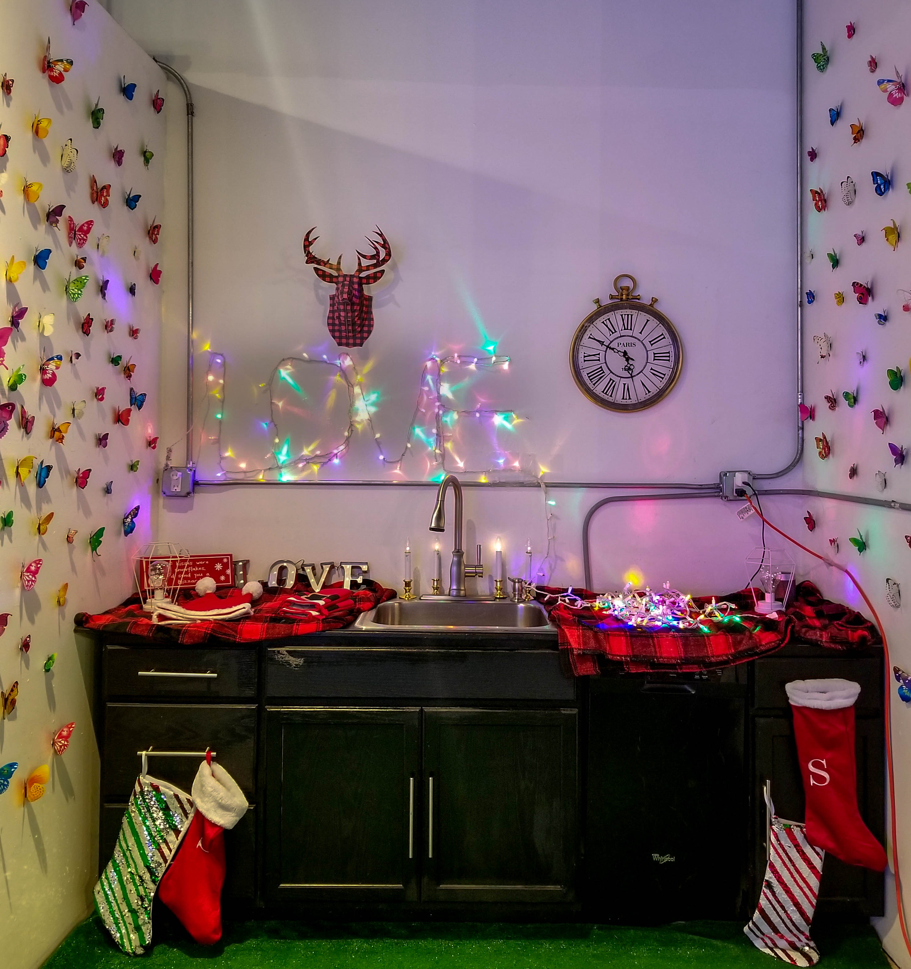 christmas kitchen in sugar and spice pop-up